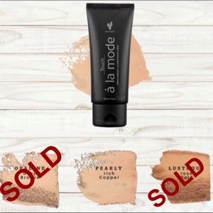 Younique Bronzer For Face & Body Liquid Pearly